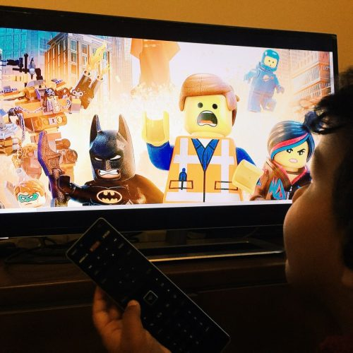 watching-my-best-cartoon-movie-i-am-loving-it_t20_plGkVO